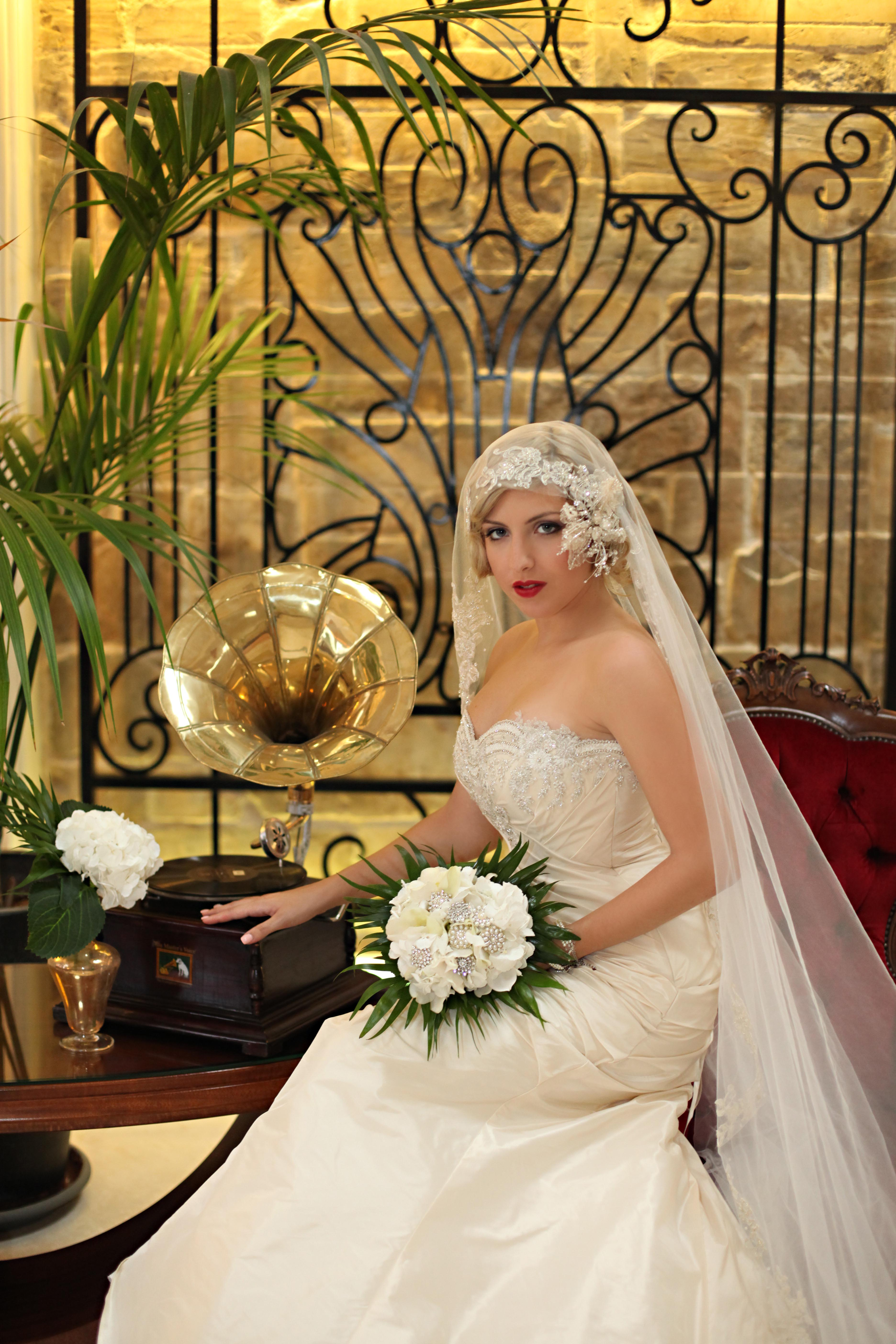 1930s art deco white wedding inspiration shoot